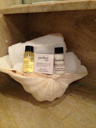 Surf & Sand Resort: Bathroom amenties