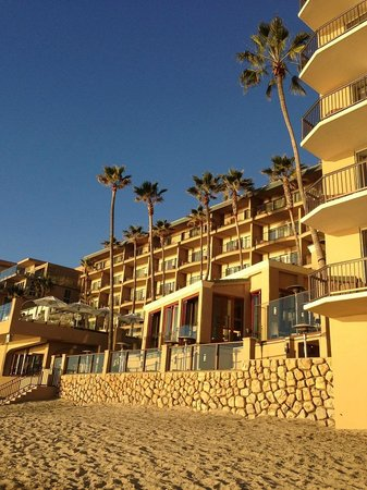 Surf & Sand Resort: View of hotel from beach
