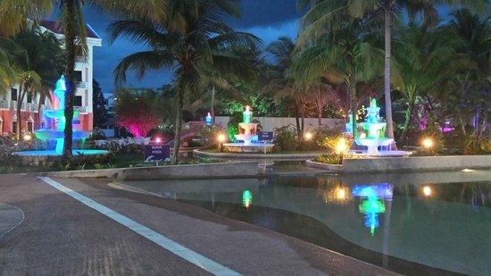 Aseania Resort & Spa Langkawi Island : pool at night