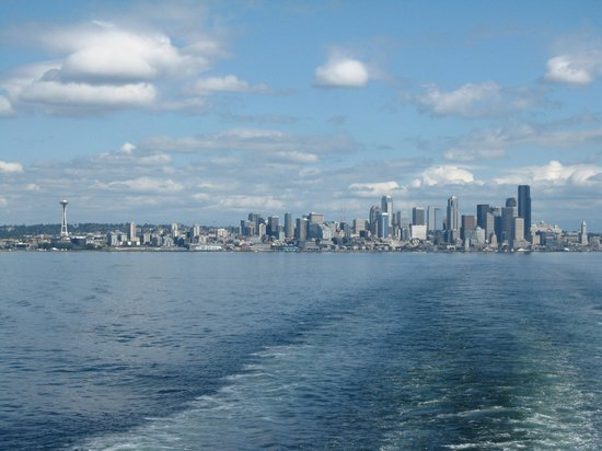 Washington State Ferries: seattle- bainbridge ferry- seattle skyline