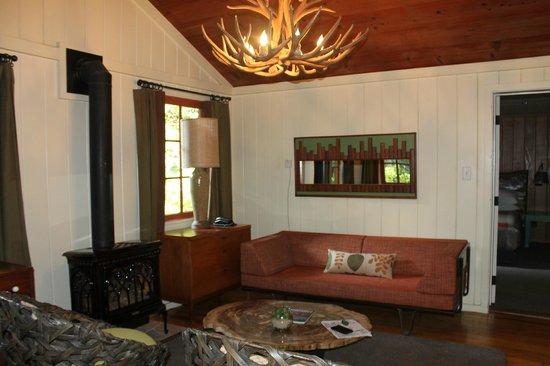Glen Oaks Big Sur: The living room