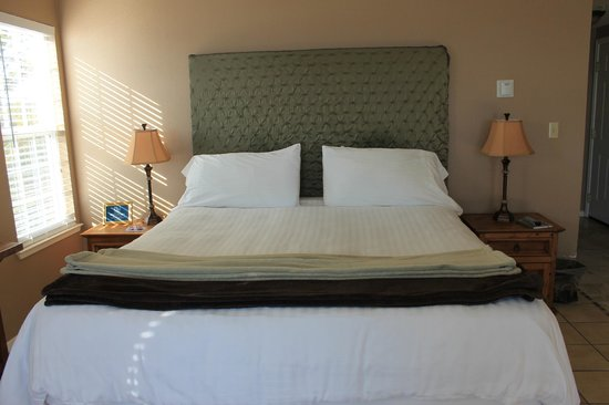 The Inn at Mavericks : Bed