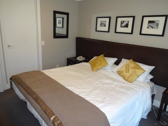 Oaks Shores : One of the bedrooms in either 2 bed luxury suite or penthouse