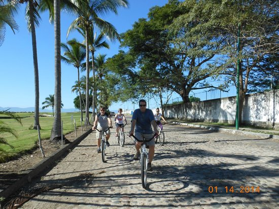 Club Regina Puerto Vallarta: Fun bike tour.