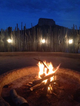 Lakeside Lodge: Boma dinner with entabeni mountain