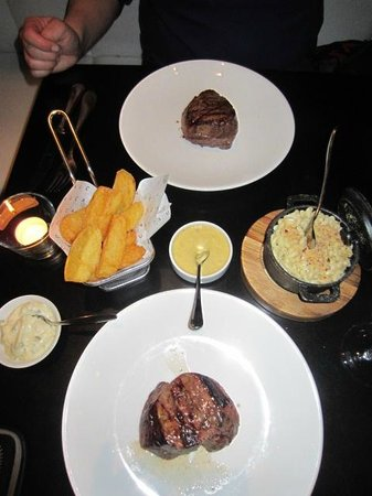 Cau: Steaks for two