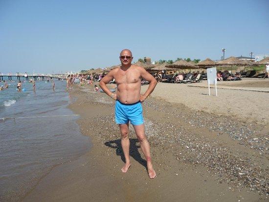 Belconti Resort Hotel: Пляж -солнце, вода, песок, что еще нужно человеку чтобы встретить старость?