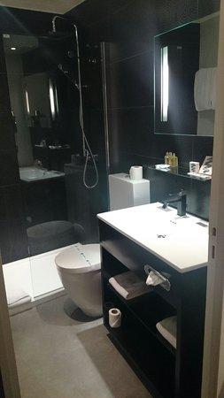 Hotel Caron : Salle de.bains