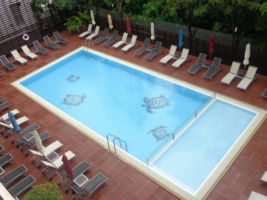 Ibis Pattaya: бассейн