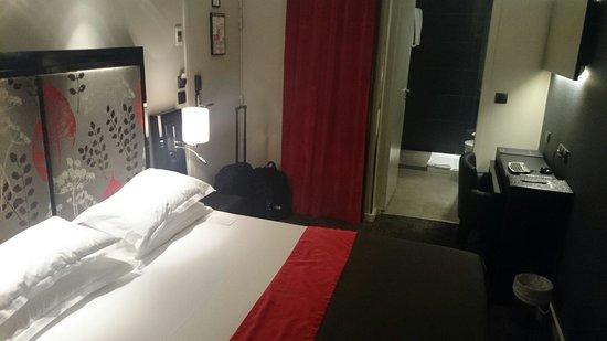 Hotel Caron : Chambre