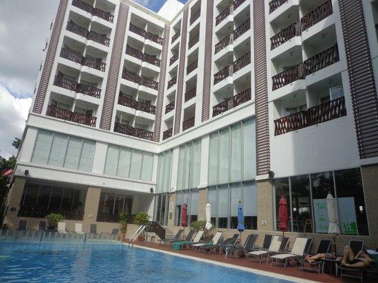 Ibis Pattaya: на третьем этаже в углу наш номер