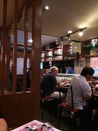 Inakappe Japanese Restaurant: 店内のカウンター