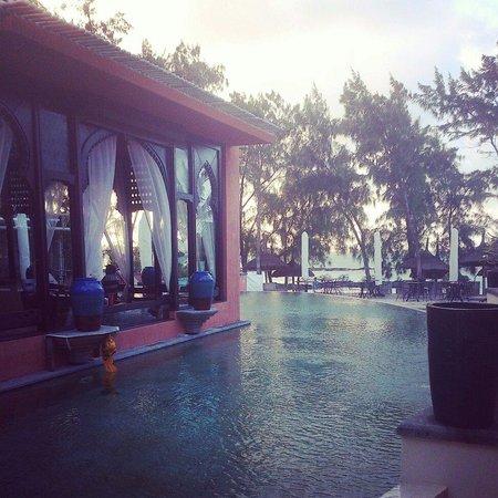 La Palmeraie Hotel : Piscine à 2 pas de la plage