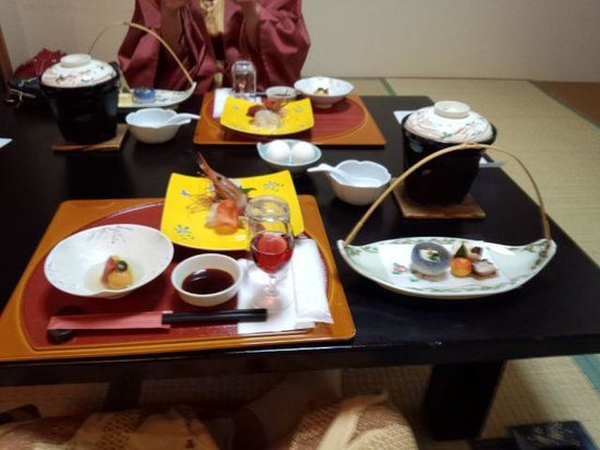 Kashotei HANAYA: 夕食配膳時