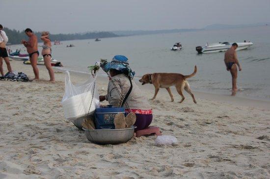 Ochheuteal Beach: Die vielen Hunde sind zum Glück harmlos