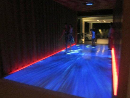 W Retreat Koh Samui: The floor-entrance!!!