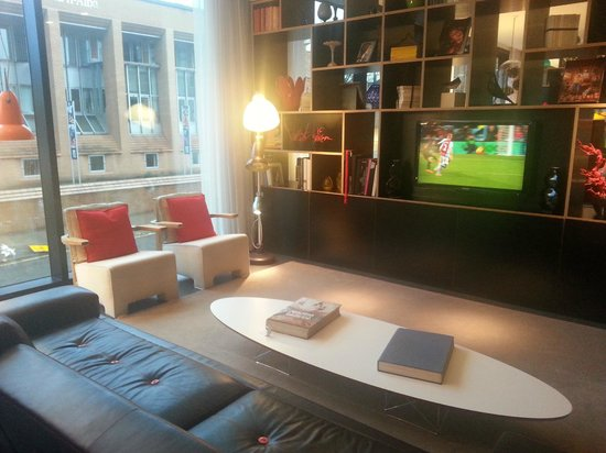 citizenM Glasgow: 1 of several 'living areas', each designed a little bit different