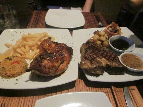 The Cliff Bar and Grill: Peri-peri chicken & steak~~