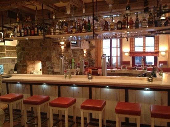 Romantik Hotel Augsburger Hof: hotel bar