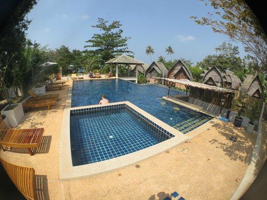 Soontreeya Lanta : Swimming pool