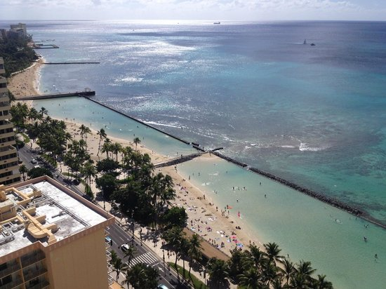 Aston Waikiki Beach Tower: View towards Diamond Head