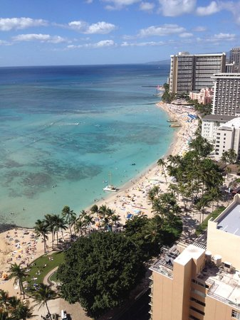 Aston Waikiki Beach Tower: View of Waikiki beach