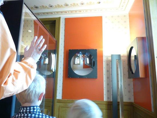 Musée d'histoire des sciences de la Ville de Genève: funny mirrors