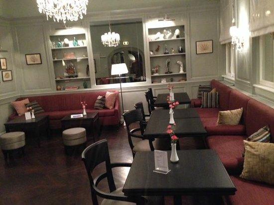 Hotel Kärntnerhof: Lobby (and breakfast room)