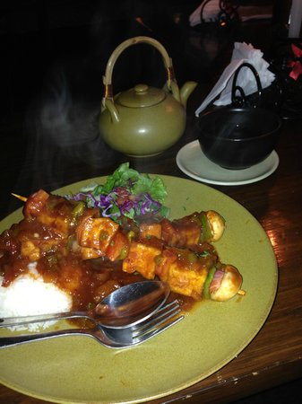Places Restaurant & Bar: Veg Skewers and Oolong Tea
