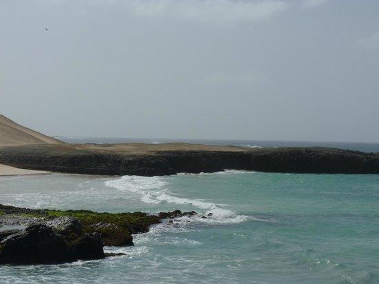 Marine Club Beach Resort : Spiaggia laterale