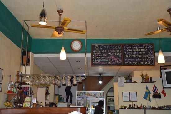 Eightfold Restaurant: барная стойка