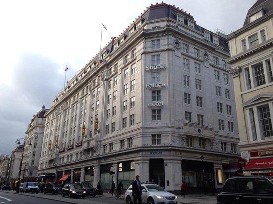 Strand Palace Hotel: Hotel外観