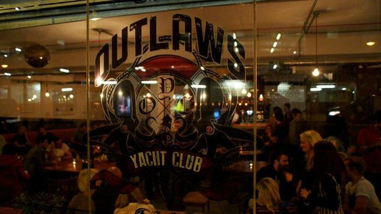‪Outlaws Yacht Club‬