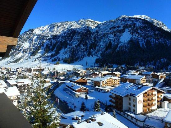 Hotel Bellevue: Bellevue auf Lech vom Balkon