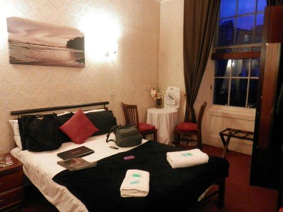 Hotel Twenty : Habitación espaciosa