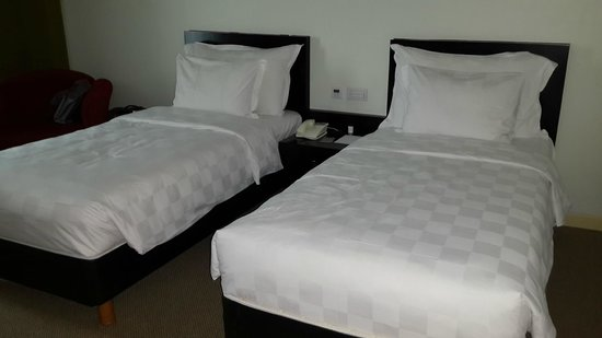 โรงแรมแกรนด์เคมาง: strong and soft beds