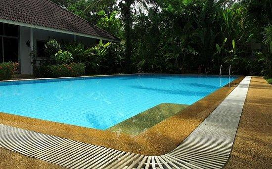 Loma Resort : Spacious Pool