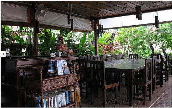 Loma Resort : Dining Time