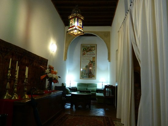 HOTEL CASA MORISCA: In the lobby