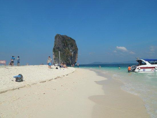 Poda Island : poda beach