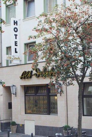 Hotel Alt Deutz : Aussenansicht