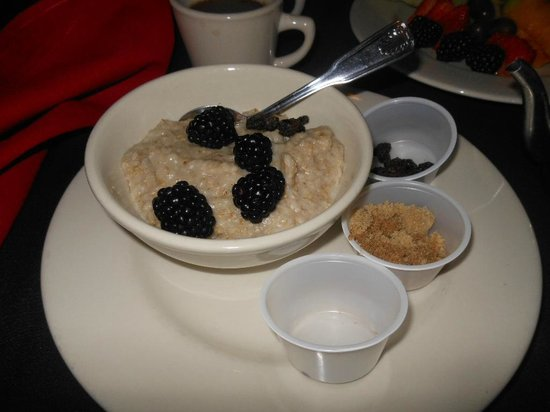 Embassy Suites by Hilton San Antonio Riverwalk-Downtown: BREAKFAST AT EMBASSY SUITES