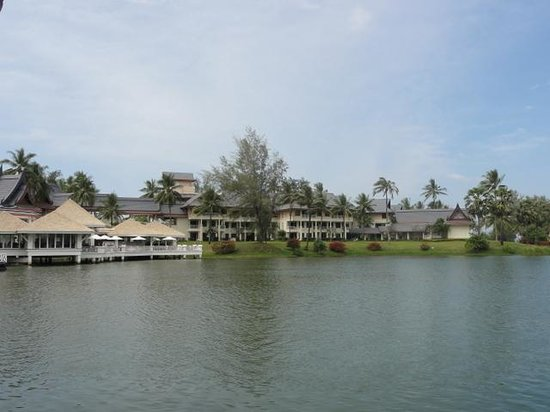 Outrigger Laguna Phuket Beach Resort : 沼ですな・・・