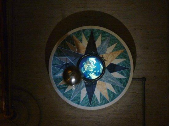 Pendulum 2 at The Franklin Institute