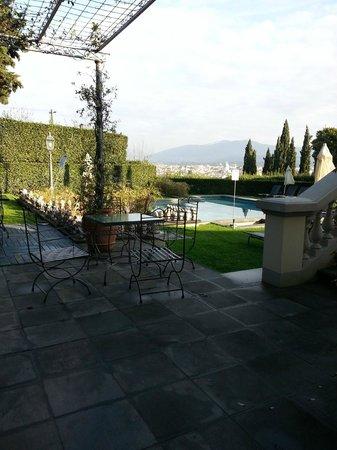 Villa La Vedetta: Hotel garden