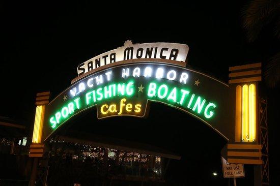 Viceroy Santa Monica: Just a short stroll away