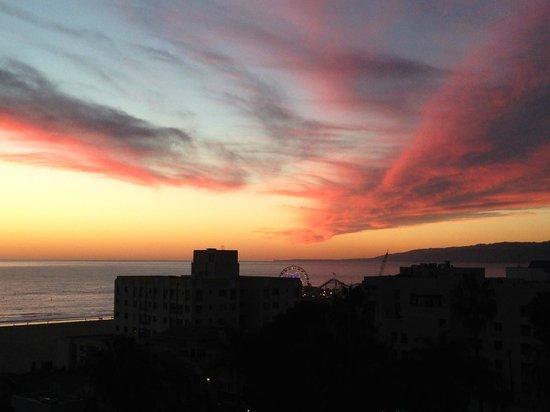 Viceroy Santa Monica: amazing sunset