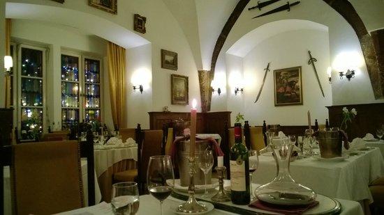 Alabardos Restaurant : Интерьер