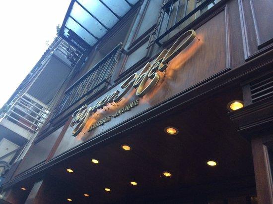Tanguero Boutique Hotel: Отель снаружи. Не пропустите