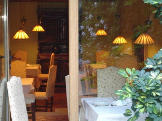Hotel Boutique Posada Dos Orillas: Salón Interior (Desayuno)